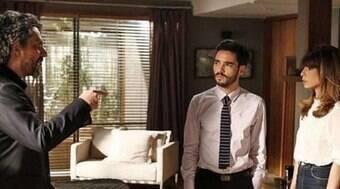 José Pedro e Danielle são interrogados pelo Comendador