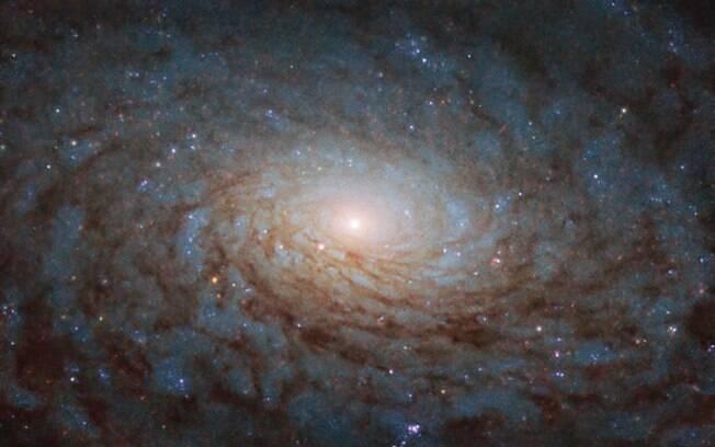 Beleza mágica de uma galáxia comum é capturada pelo telescópio Hubble