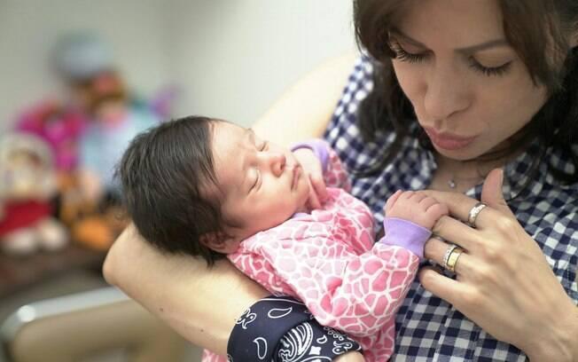 Estefânia não teve problemas na imigração e nem com os médicos no pré-natal