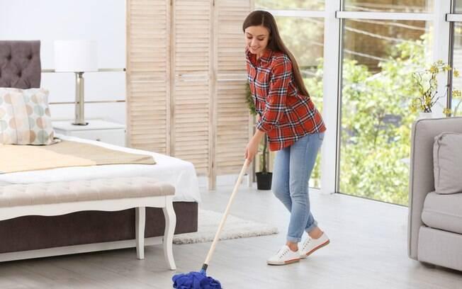 Ao saber como limpar o quarto, é necessário fazer uma limpeza com frequência, mas sem que isso vire uma obsessão