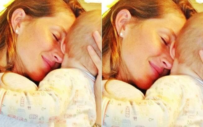 Gisele Bündchen posta foto de momento de carinho com a filha, Vivian