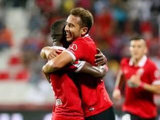 Everton Ribeiro marcou o segundo gol da o Al Ahli em sua estreia pela equipe