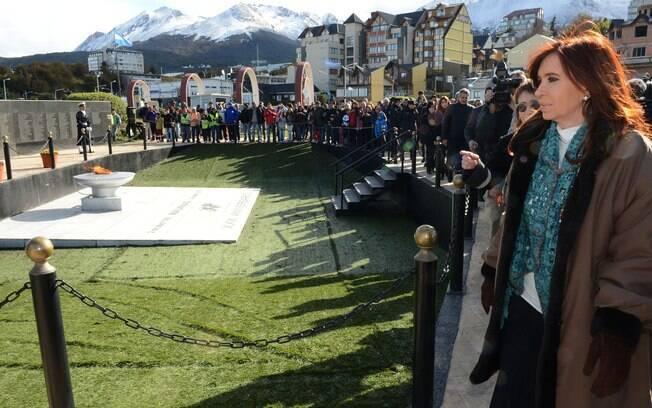 Kirchner em homenagens nas Ilhas das Malvinas, no início do mês: mandato termina neste ano