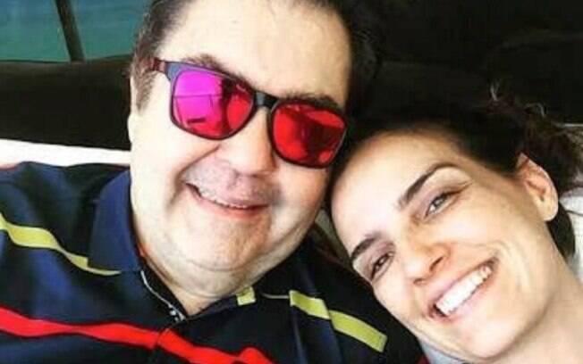 Esposa de Faustão agradece pelo apoio de internautas e confirma internação do marido