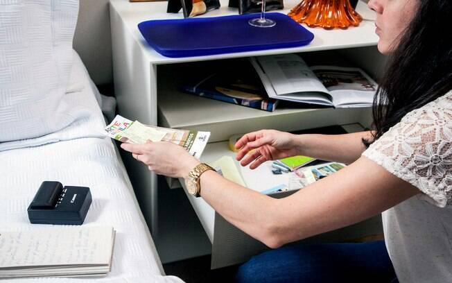 Depois de comprar um criado mudo, é importante mantê-lo organizado.A personal organizer Ingrid Lisboa dá dicas
