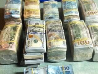 Polícia Federal apreendeu R$ 203.695 e US$ 390.228.