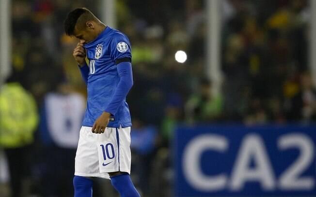 Liderada por Neymar, a Seleção Brasileira fracassou e foi eliminada pelo Paraguai na Copa América de 2015.