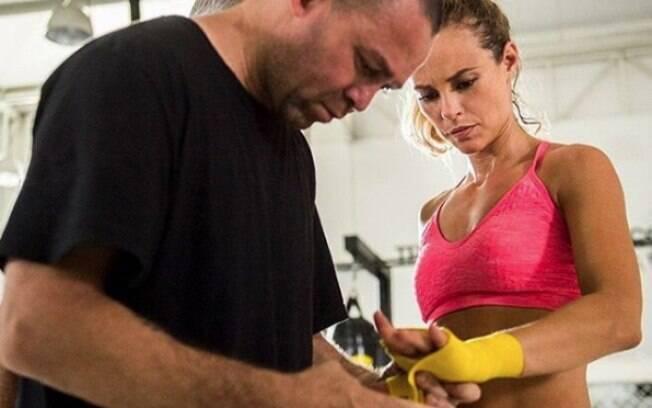 Paolla Oliveira faz aulas de lutas e MMA para viver Jeiza em 'A Força do Querer'