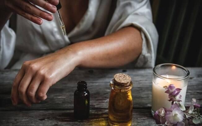 Como usar a Aromaterapia para equilibrar os Chakras