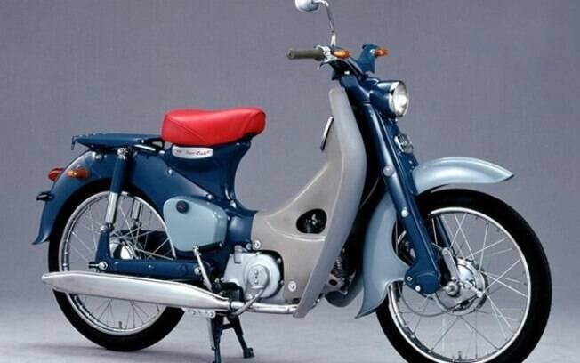 A EV-Cub teve seu desenho baseado neste protótipo da Super Cub a gasolina