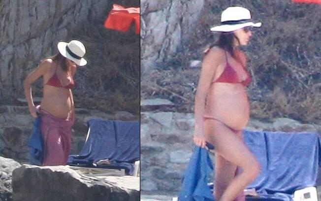 Carla Bruni, em julho deste ano, aos seis meses de gestação