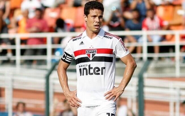 Hernanes deve ser desfalque para o São Paulo na próxima rodada do Brasileirão