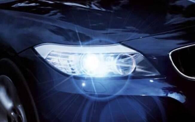 Os LEDs bons são acessórios de carros mais modernos, mais eficientes e mais seguros que as lâmpadas comuns