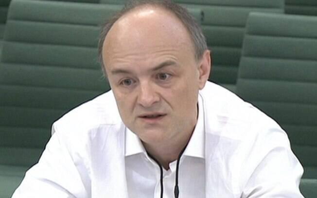 Covid: milhares morreram por erros do governo, diz ex-assessor de primeiro-ministro britânico