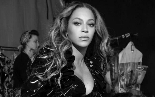 Beyoncé é processada por uma mulher cega que alega que o site da cantora não é apropriado para pessoas com deficiência visual