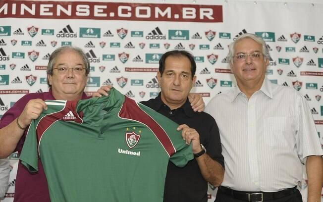 Celso Barros participa da apresentação de  todos grandes nomes que chegam ao Flu, como com  Muricy Ramalho em 2010
