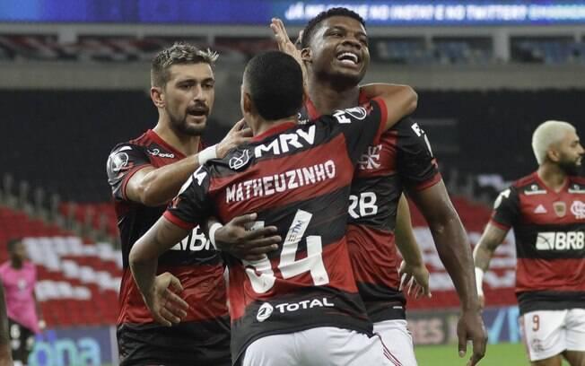 'Voltou a ser aquele Flamengo do Jorge Jesus', diz jornalista sobre time comandado por auxiliar