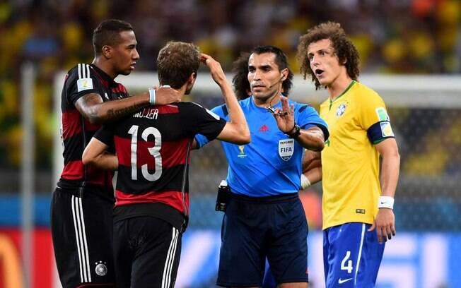 Ex-árbitro mexicano Marco Rodríguez%2C que apitou Brasil 1 x 7 Alemanha%2C vira técnico