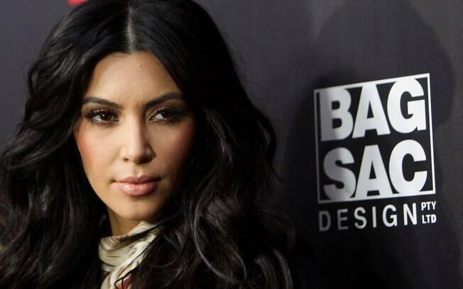 Kim Kardashian cancelou sua participação em um evento na Austrália por estar muito abalada com o fim do casamento