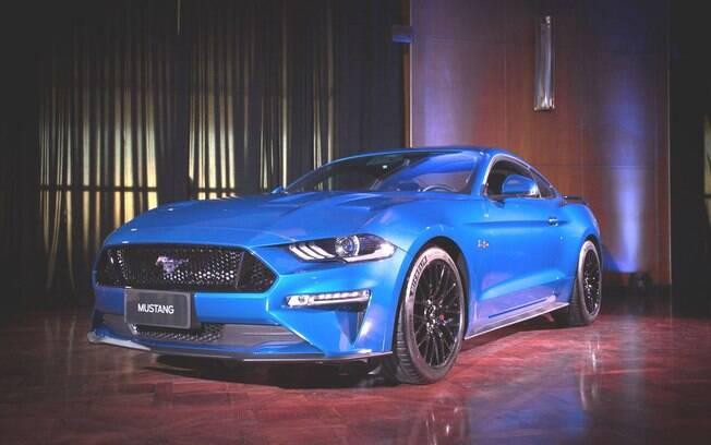 Ford Mustang GT:  nova geração do cupê americano finalmente chega ao Brasil para rivalizar com o Chevrolet Camaro