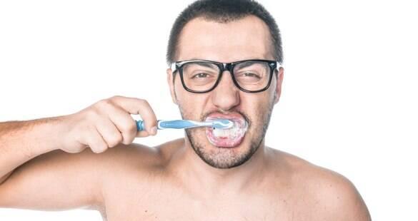 Verdadeiro ou falso: saiba mais sobre sua escova de dentes