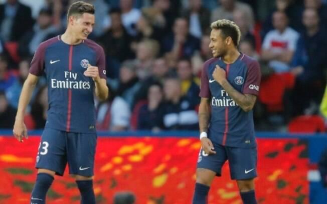 Neymar e Draxler teriam discutido no vestiário do PSG e quase trocaram socos