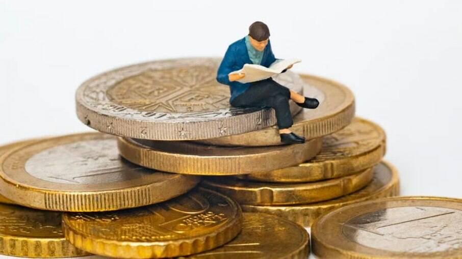 O Projeto de Lei 2140/21 estabelece o prazo de 180 dias para o Poder Executivo regulamentar as transações financeiras com criptomoedas