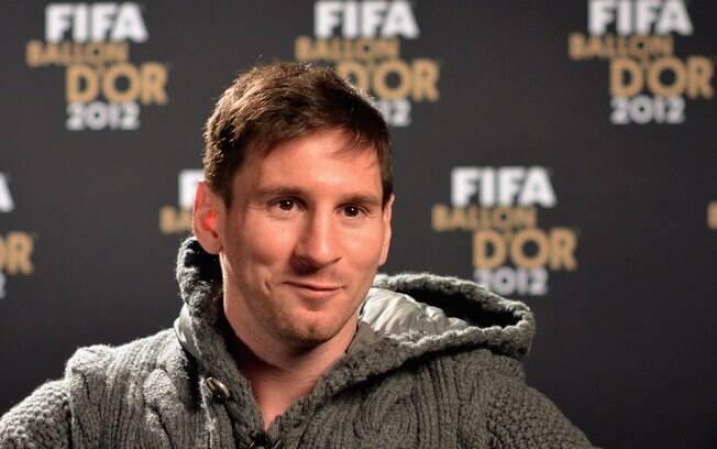 O argentino Lionel Messi participa de  entrevista coletiva antes da entrega do prêmio  Bola de Ouro da Fifa