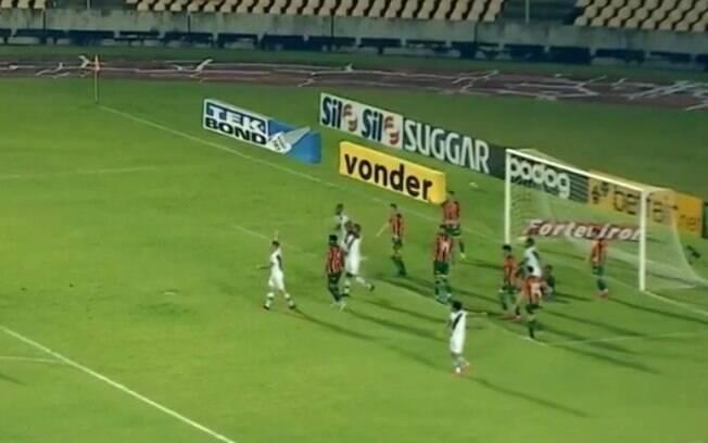Ponte toma gols aos 49 e perde mais uma na Série B