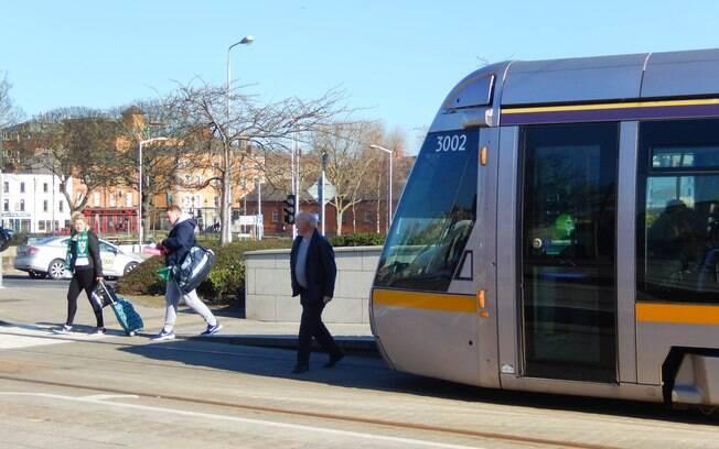 Em Dublin, Irlanda, as ruas são mais planas, o que facilita a locomoção de pessoas com deficiências