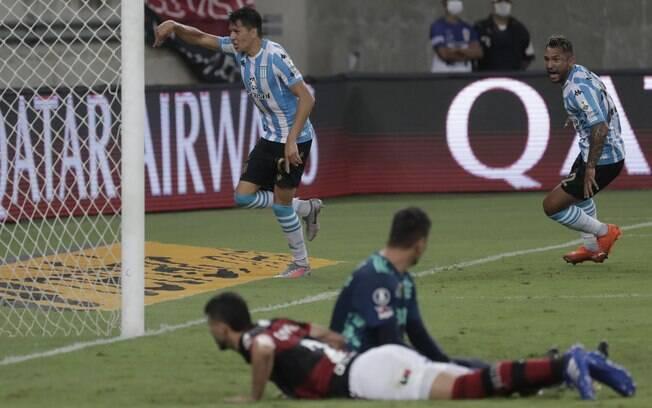 O Flamengo foi eliminado da Libertadores pelo Racing em pleno Maracanã