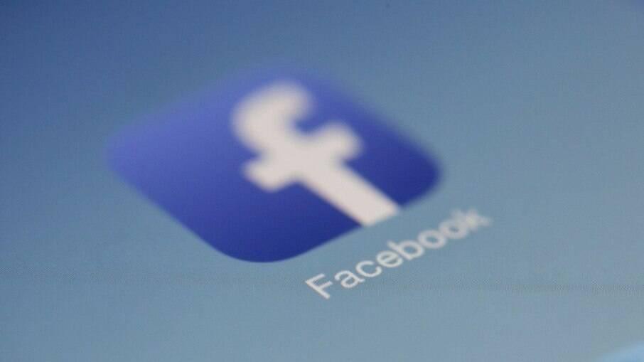 Facebook divulga documento polêmico