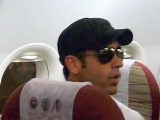 O ator da Record Marcos Pitombo foi expulso de avião e diz que vai processar a TAM