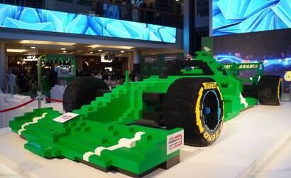 Construtores fazem maior carro de F1 com Lego do mundo