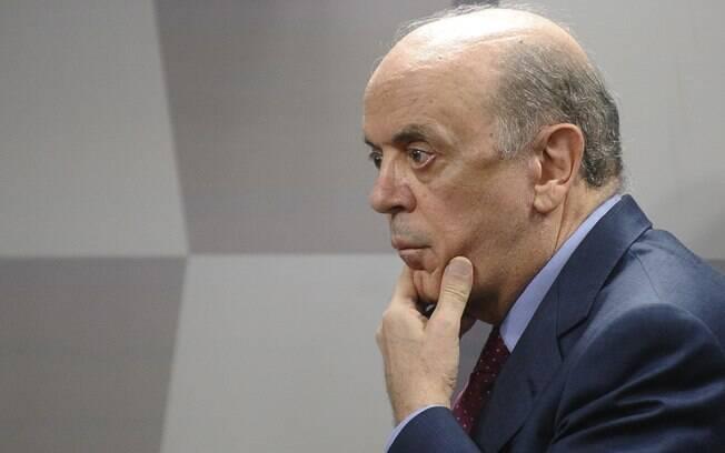 Ministro das Relações Exteriores, José Serra precisa lidar com orçamento apertado na pasta