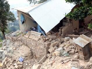 Ao menos 14 mortos e 200 ficam feridos por terremoto