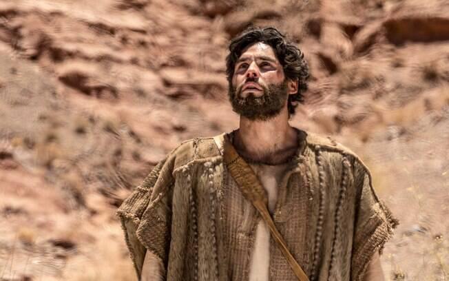 O protagonista Jesus é interpretado por Dudu Azevedo, que já participou de outras novelas de temática religiosa da Record
