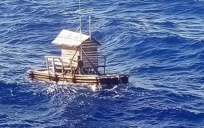 Barco pesqueiro como o da imagem acima teve o cabo de ancoragem rompido e desapareceu com cinco tripulantes