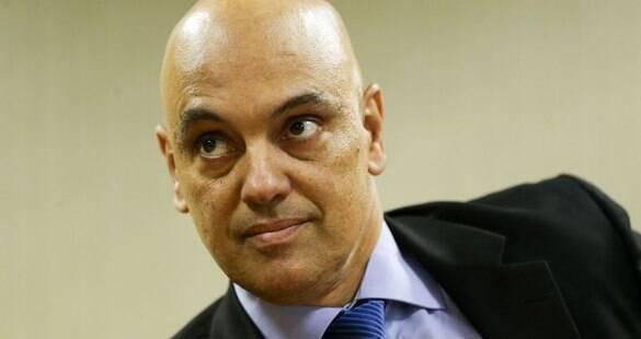 Abaixo-assinado contra indicação de Moraes ao STF é recebido pela CCJ