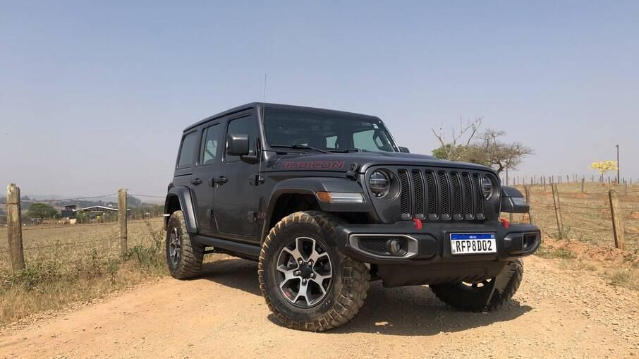 Jeep Wrangler Rubicon: asfalto ou estrada de terra? Para ele, tanto faz...Mesmo se você quiser encarar uma trilha radical