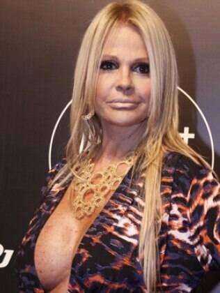 Monique Evans se defende das acusações de Léo Áquila
