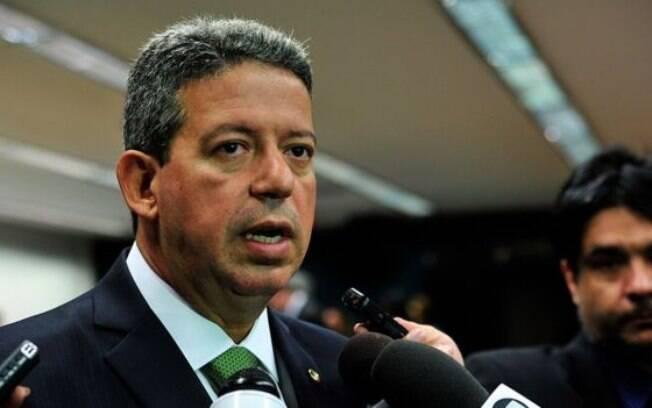 Lira , aliado de Cunha, produziu parecer por meio do qual sugeria que fosse votado em plenário