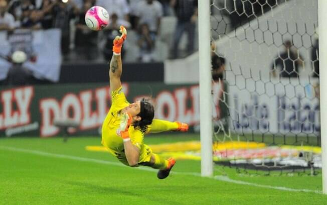 Após gol nos últimos minutos, Cássio apareceu e deu a vaga ao Corinthians nos pênaltis