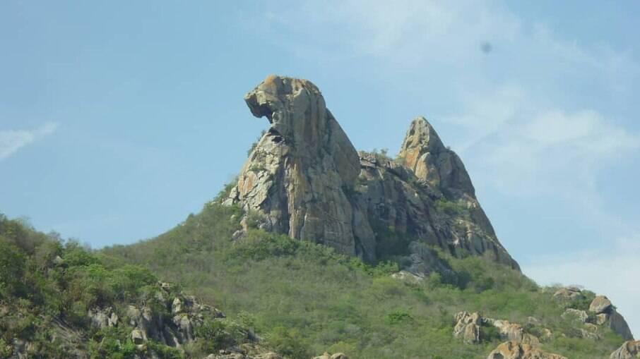 Pedra Galinha choca