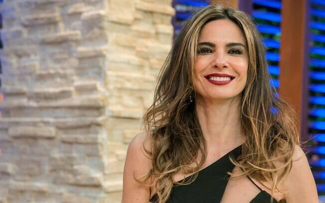Luciana Gimenez fala sobre namoro no