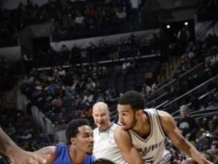 Os Spurs está na sétima colocação na Conferência Oeste com 21 vitórias e 15 derrotas