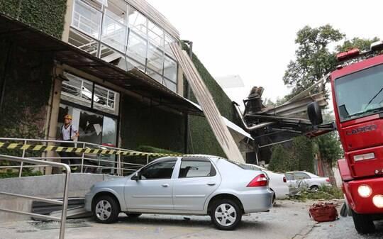 Explosão em academia deixa ao menos dois mortos e nove feridos no ABC Paulista - São Paulo - iG