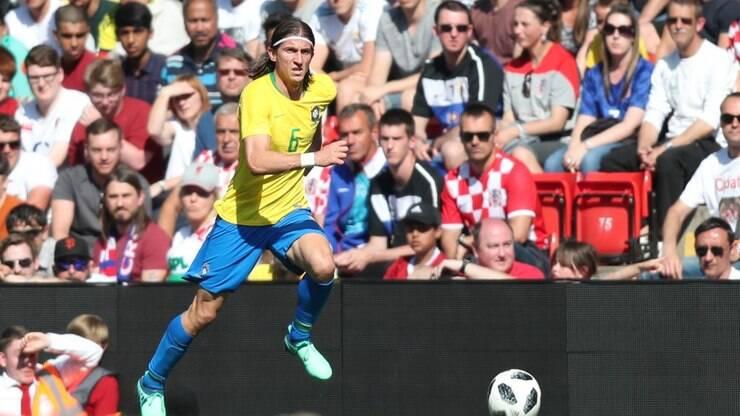 b001457f8c Filipe Luis é convocado para amistosos após corte de Marcelo - Seleção  Brasileira - iG