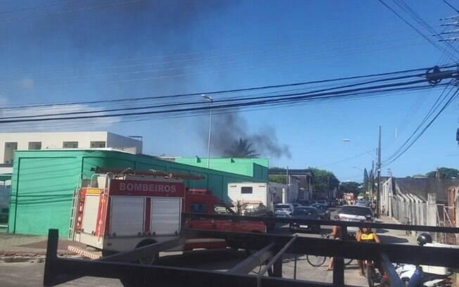 Vitima foi retirada de acidente com o corpo em chamas