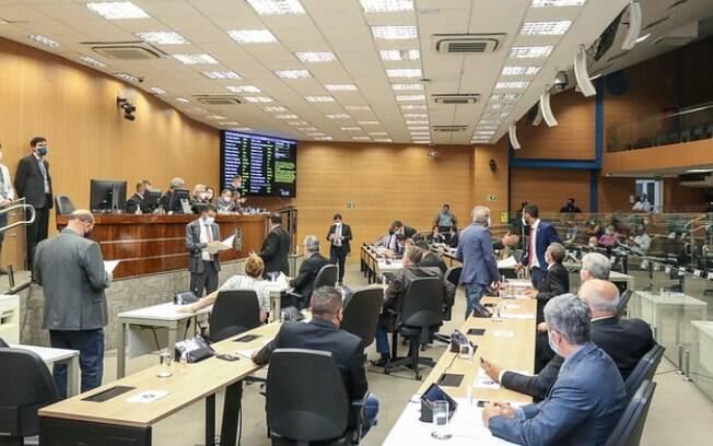 Câmara aprova em definitivo PL que prevê lista de médicos de plantão